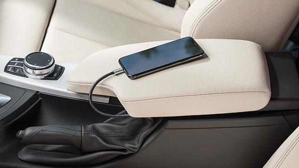BMW yleismallin snap in adapteri