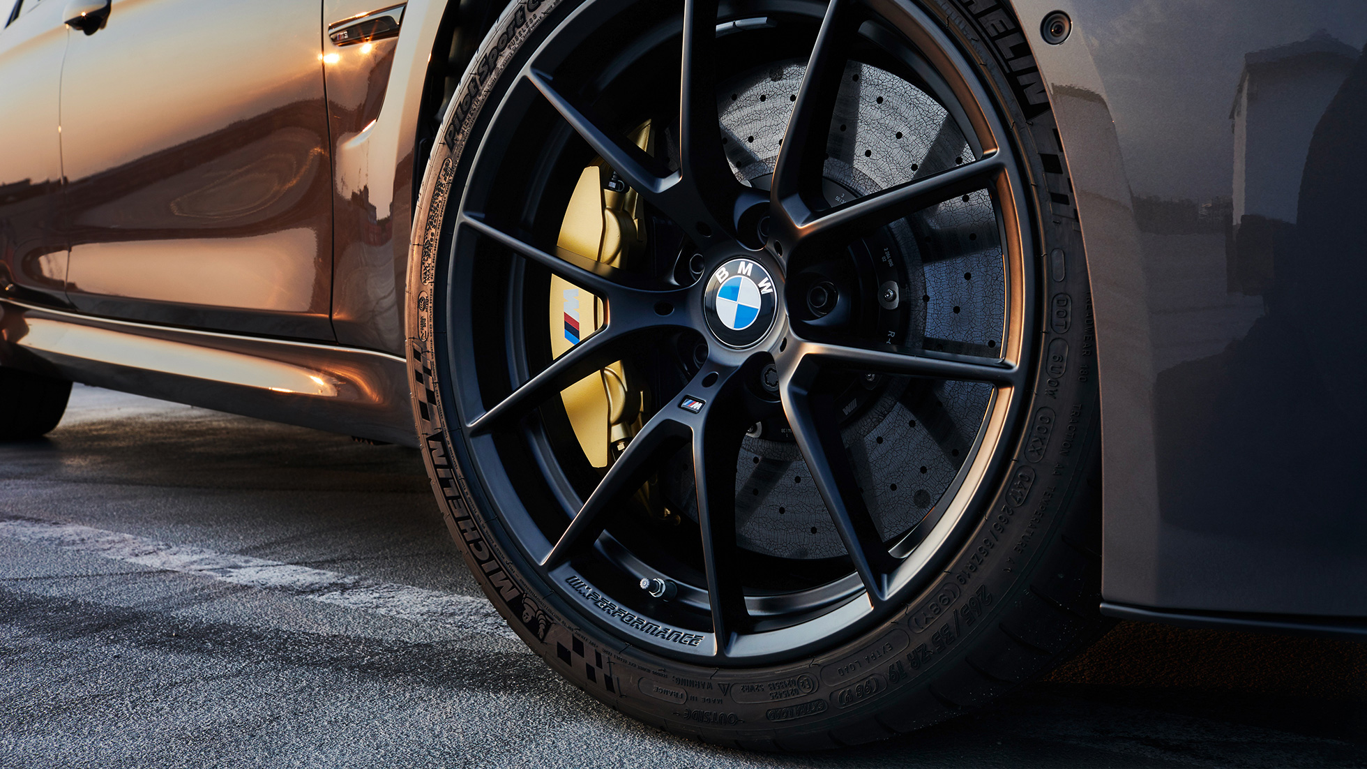 "BMW M Performance -muotoilu, 20"" M Performance -kevytmetallivanne Y-spoke 763 M Jet Black matta"